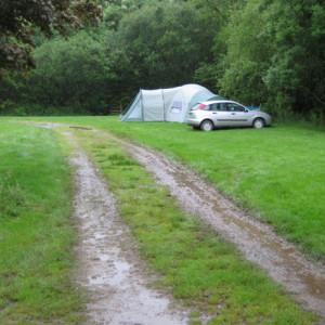kampeerleed - afzien op de camping